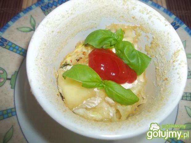 Jajka zapiekane z serem brie