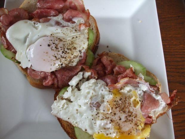 Jajko sadzone na kanapce