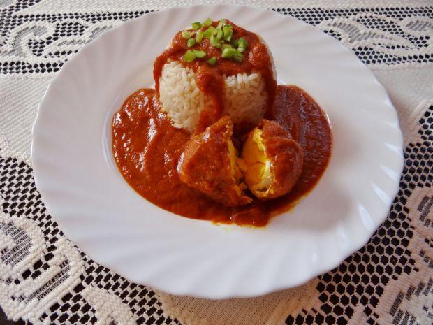 Jajko w sosie curry z ryżem