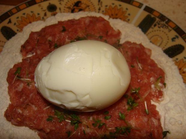 Jajko z rzeżuchą w białej kiełbasce