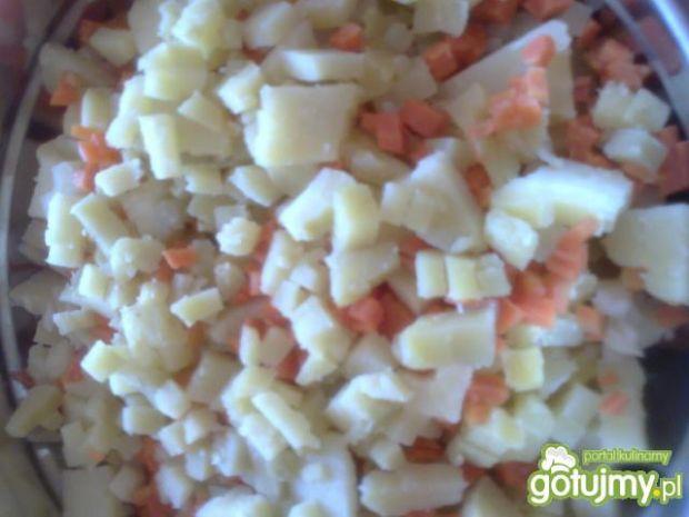 Jarzynowa sałatka z groszkiem