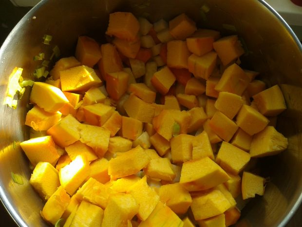 Jesienna zupa z ciecierzycą