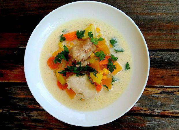 Jesienna zupa z dynią i kukurydzą