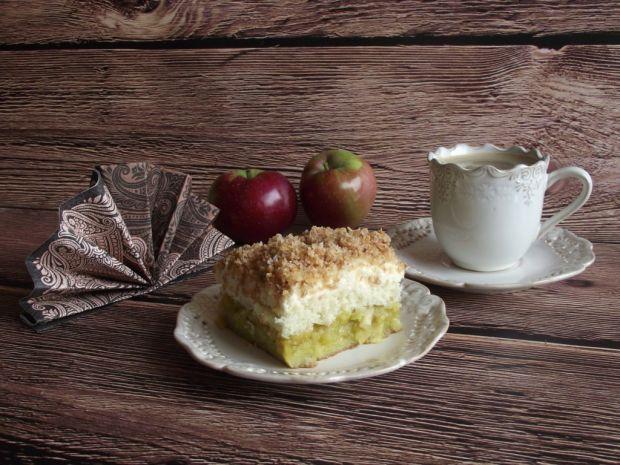Jesienny jabłecznik z kokosem