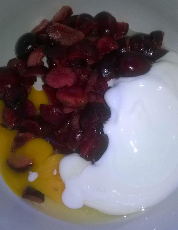 Jogurtowe babeczki z wiśniami