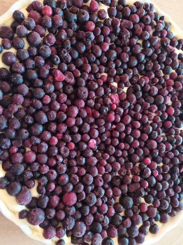 Jogurtowe ciasto z jagodami