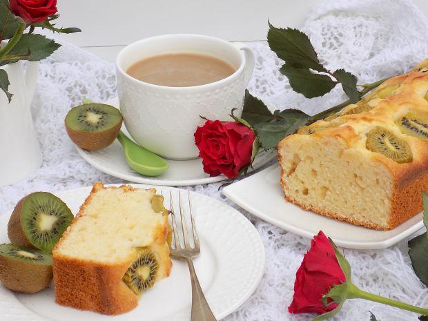 Jogurtowe ciasto z kiwi