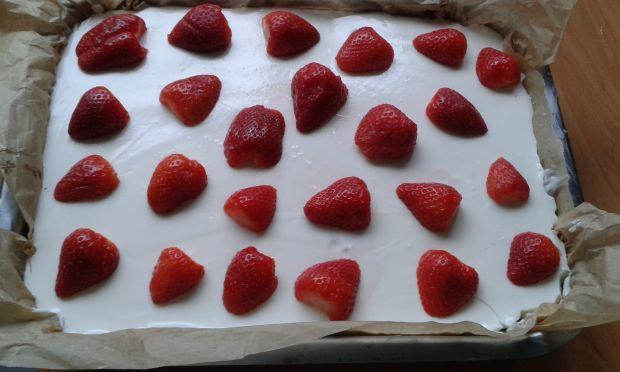 Jogurtowe ciasto z rabarbarem