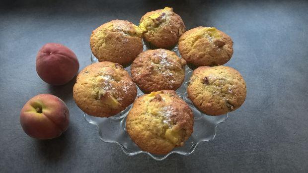 Jogurtowe muffinki z chia i brzoskwiniami