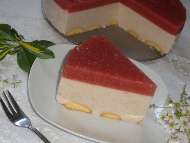 Jogurtowiec z rabarbarową galaretką