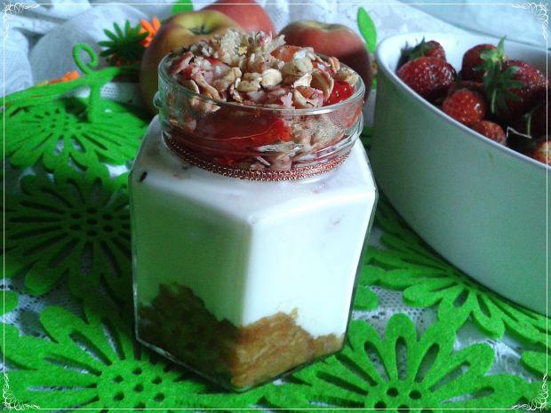 Jogurtowo-słoikowe śniadanie do pracy
