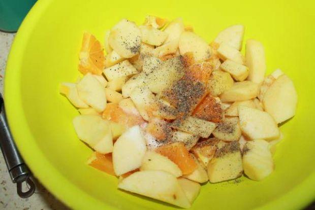Kaczka faszerowana owocami