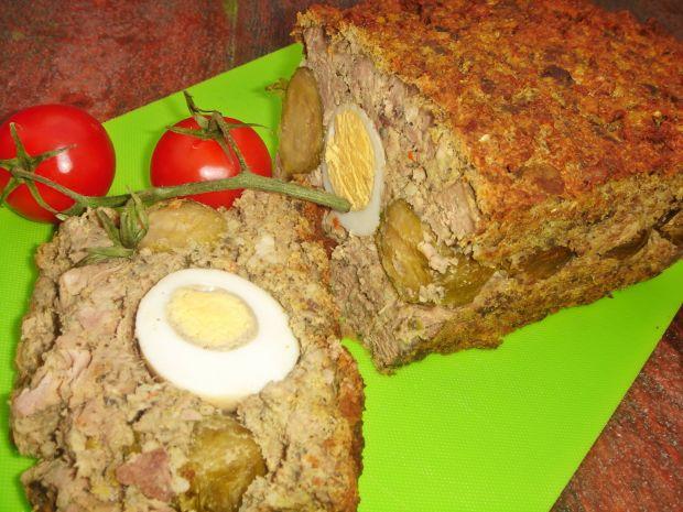 Kaczy klops z jajkiem i brukselką