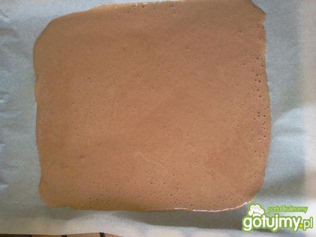 Kakaowa rolada z cytrynowym nadzieniem