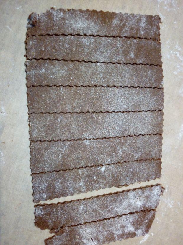 Kakaowe ciastka z makiem i dżemem