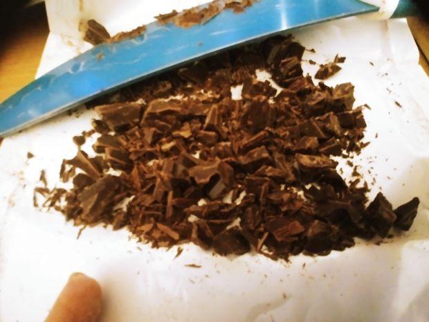 Kakaowe kruche rogaliki z czekoladą i migdałami