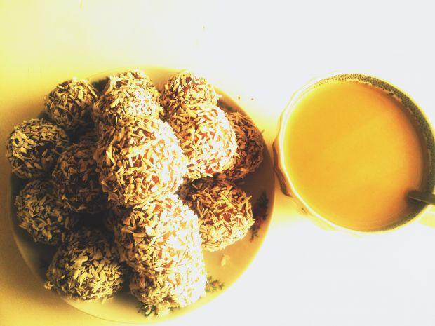 Kakaowe kulki z Tiramisu i wiórkami kokosowymi