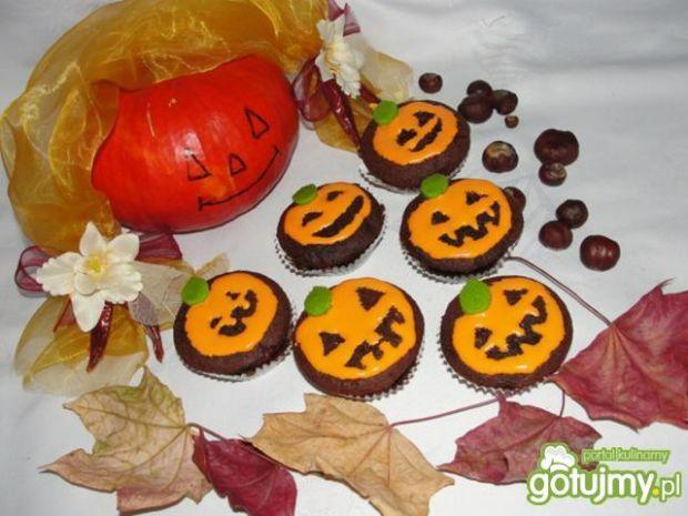 Kakaowe muffinki z  nadzieniem z dynii