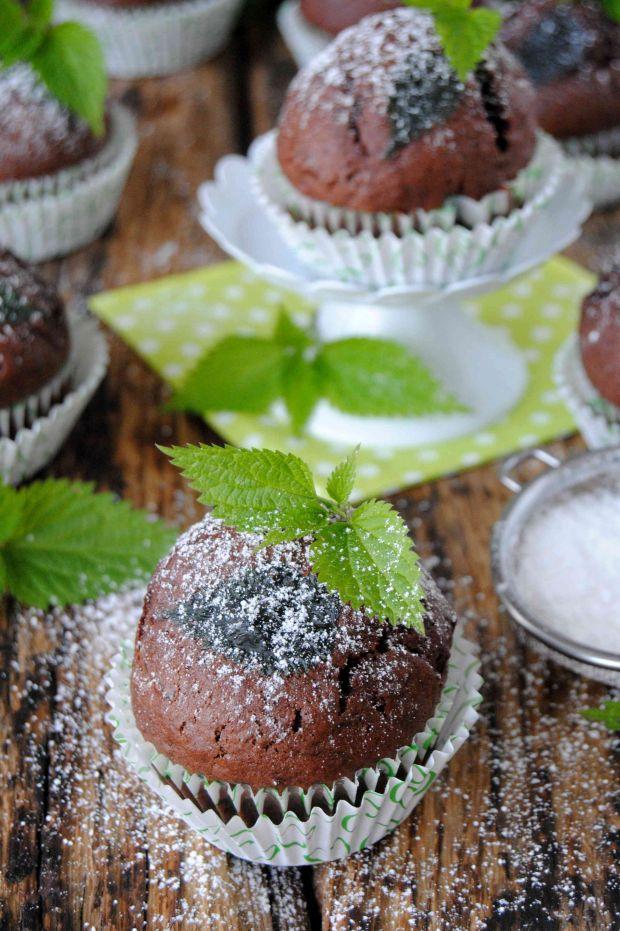 Kakaowe muffiny z pokrzywą