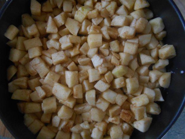 Kakaowy jabłecznik z kruszonką