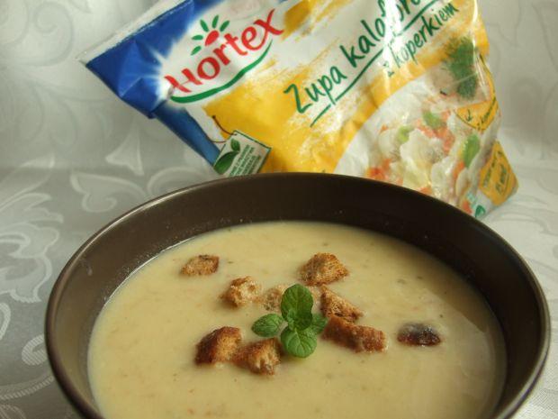Kalafiorowa zupa krem z zapachem wędzonego boczku