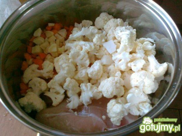 Kalafiorowa zupa z kurczakiem i kalarepą