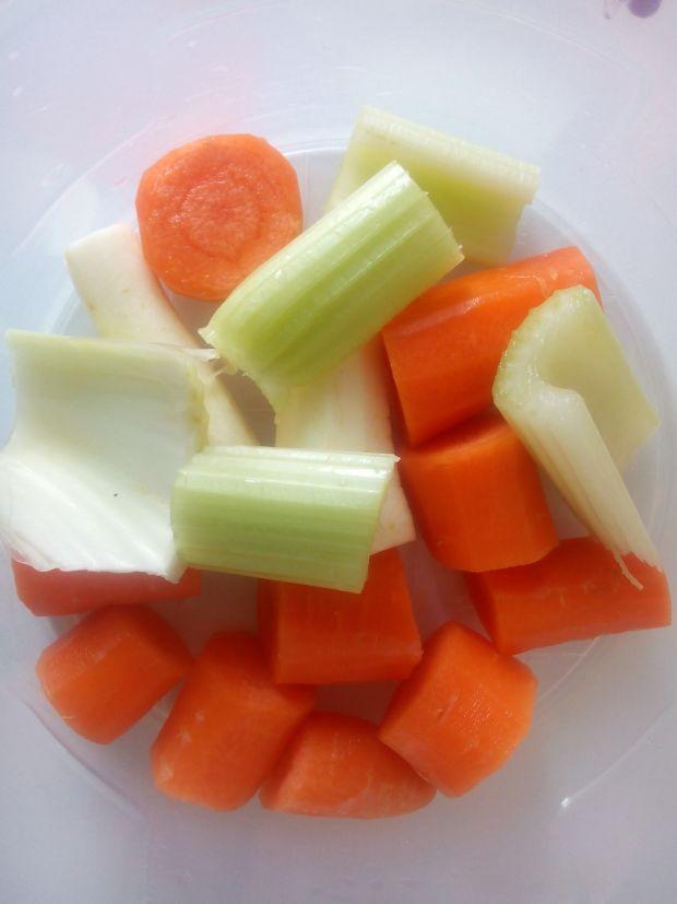 Kalafiorowo warzywna zupa z kaszą
