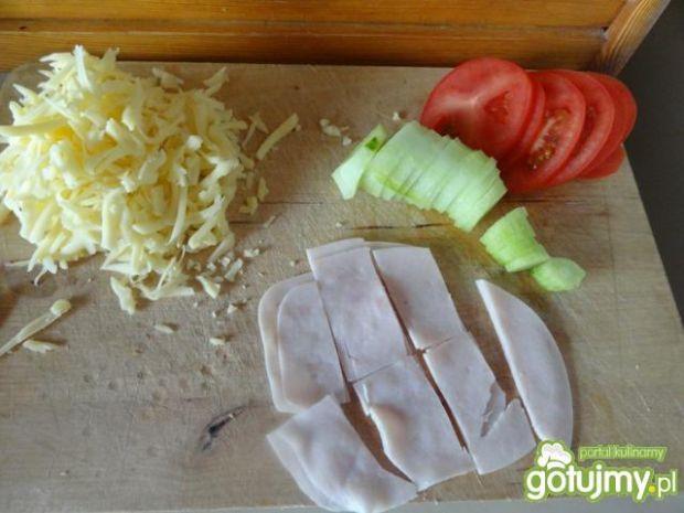 Kanapki w jajku z serem i szynką