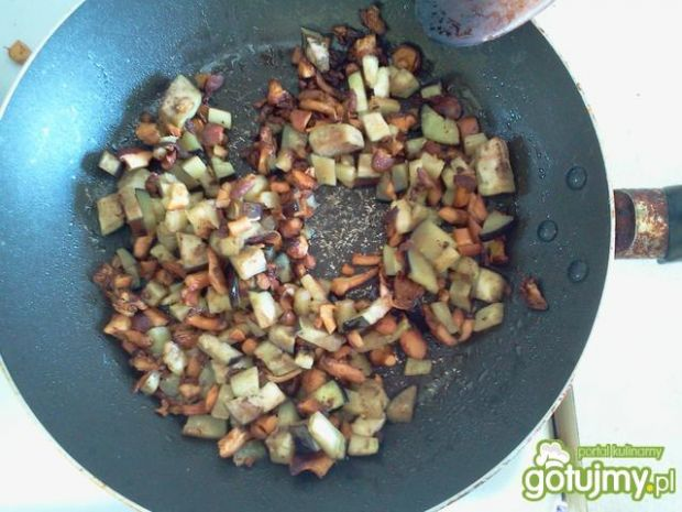 Kapuśniak z bakłażanem i kurkami