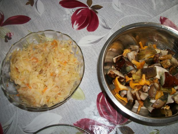 Kapuśniak z kaszą i grzybami