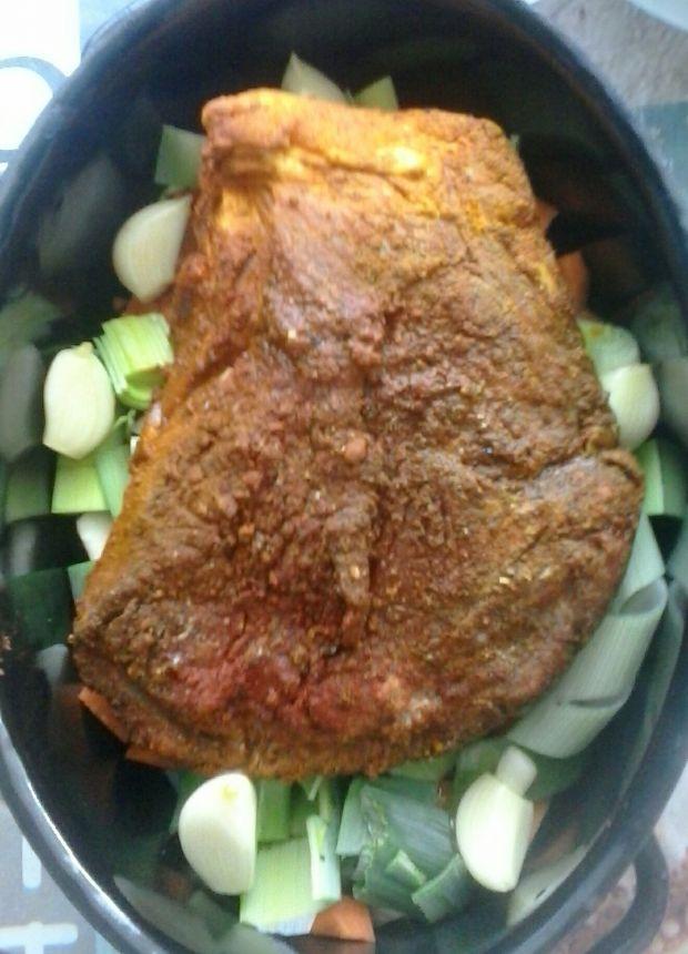 Karkówka pieczona w przyprawach z warzywami