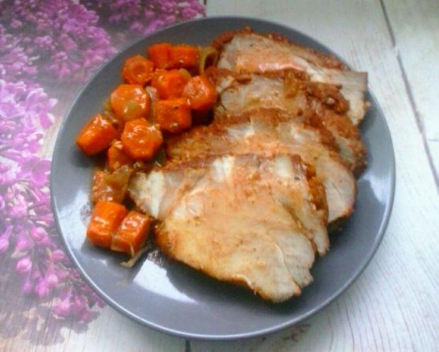 Karkówka pieczona z marchewką
