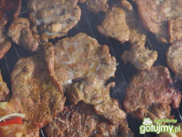 Karkówka piwna na ostro z grilla