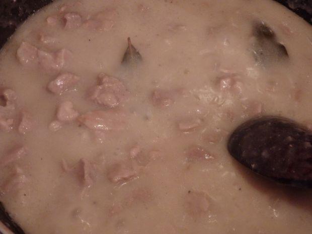 Karkówka w sosie chrzanowym