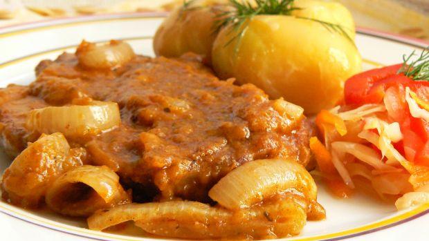 Karkówka w sosie z dyni i cebuli