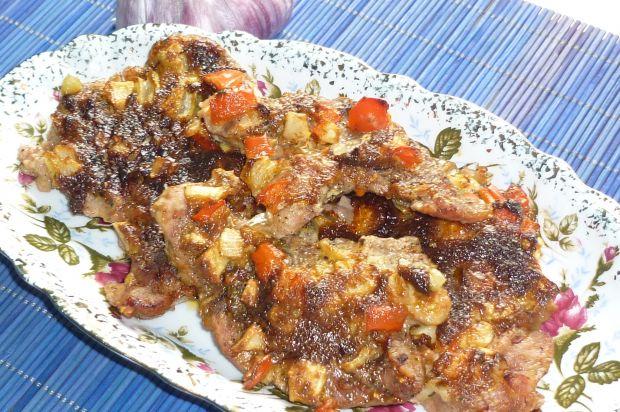 Karkówka z papryką i cebulką pod pierzynką