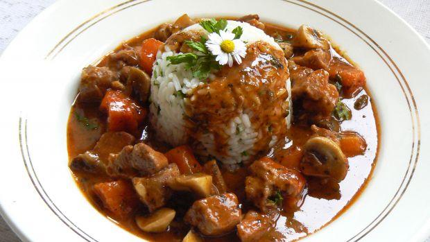 Karkówka z ryżem i pieczarkami
