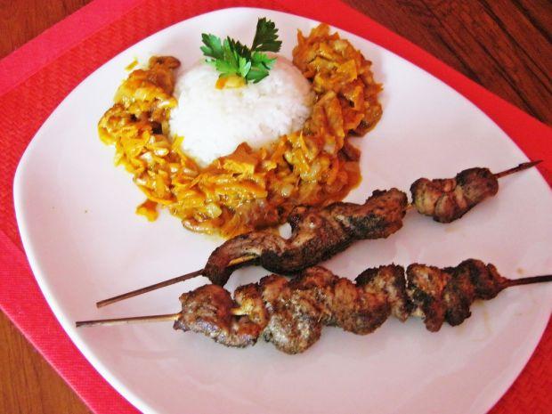 Karkówkowe szaszłyki z indyjską potrawką
