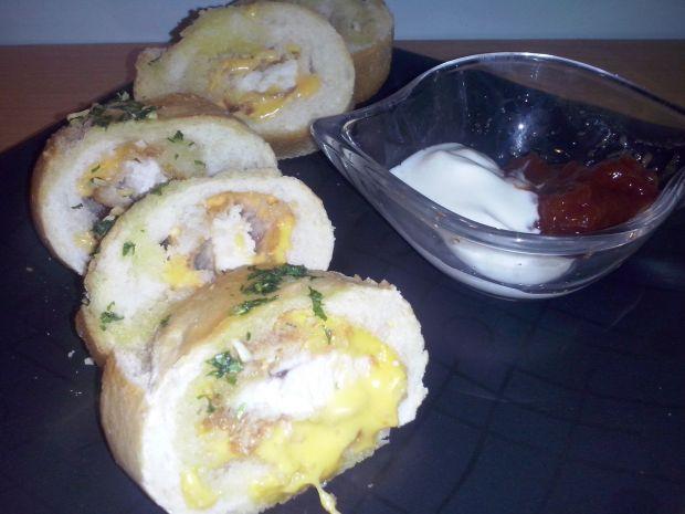 Kąski kurczaka otulone serem i bagietką