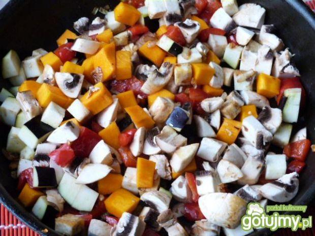 Kasza gryczana z warzywami i pieczarkami
