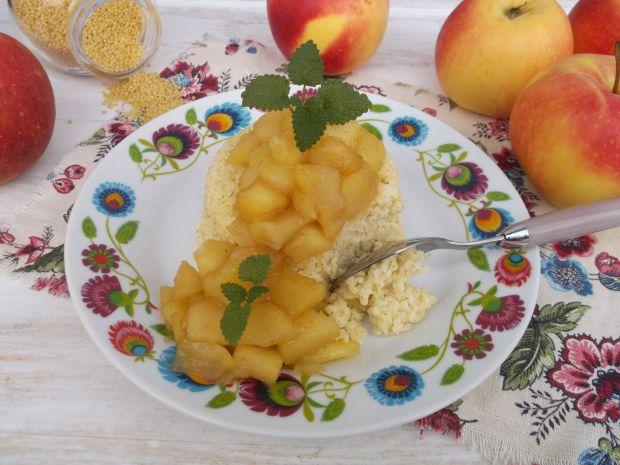 Kasza jaglana z prażonymi jabłkami