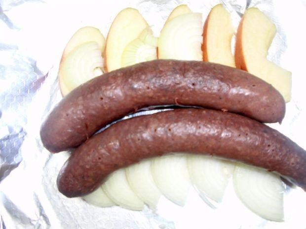 Kaszanka z jabłkiem i cebulą z grilla