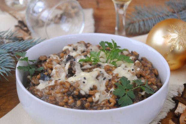 Kaszotto z suszonymi grzybami (mod kołczu) - Kaszotto wyszło pyszne, mocno grzybowe. Danie jest tanie, szybkie i syte:).