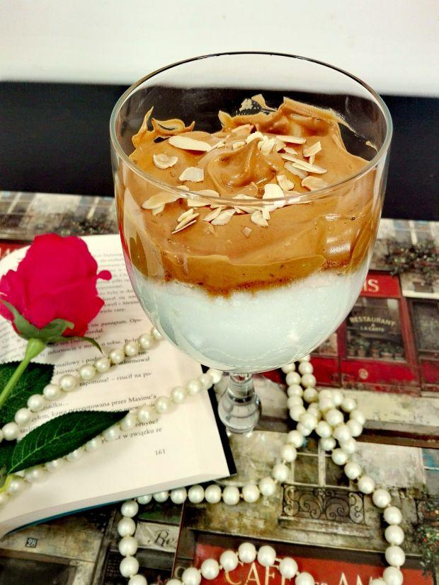 Kawa Dalgona - koreański przysmak