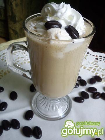 Kawa Frappe z likierem kawowym