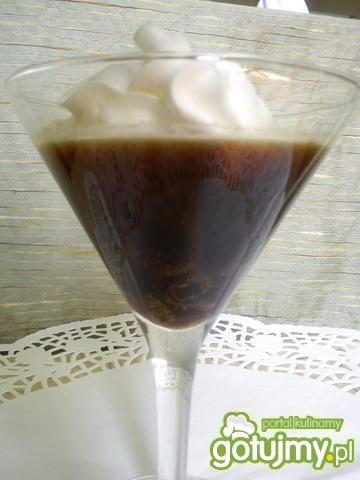 Kawa Tchibo z rumem i rodzynkami