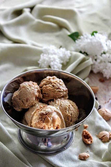Kawowe lody semifreddo z amarettini