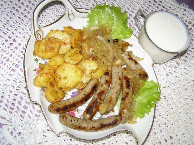 Kiełbaski z ziemniakami na obiad