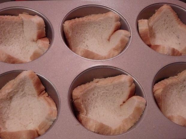 Kiełbaski zapiekane w chlebie tostowym