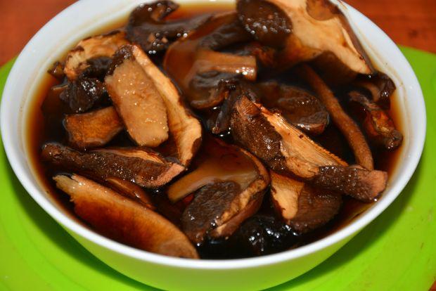 Kiszona kapusta z suszonymi grzybami do obiadu
